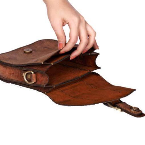 کیف حمایلی چرم دست دوز
