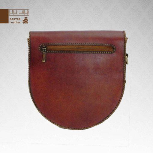 کیف حمایلی نیم گرد چرم طبیعی دست دوز کد C-320